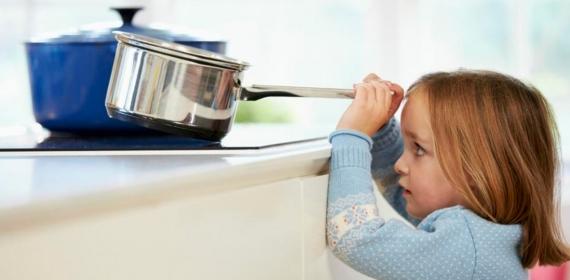 Como evitar acidentes domésticos com crianças